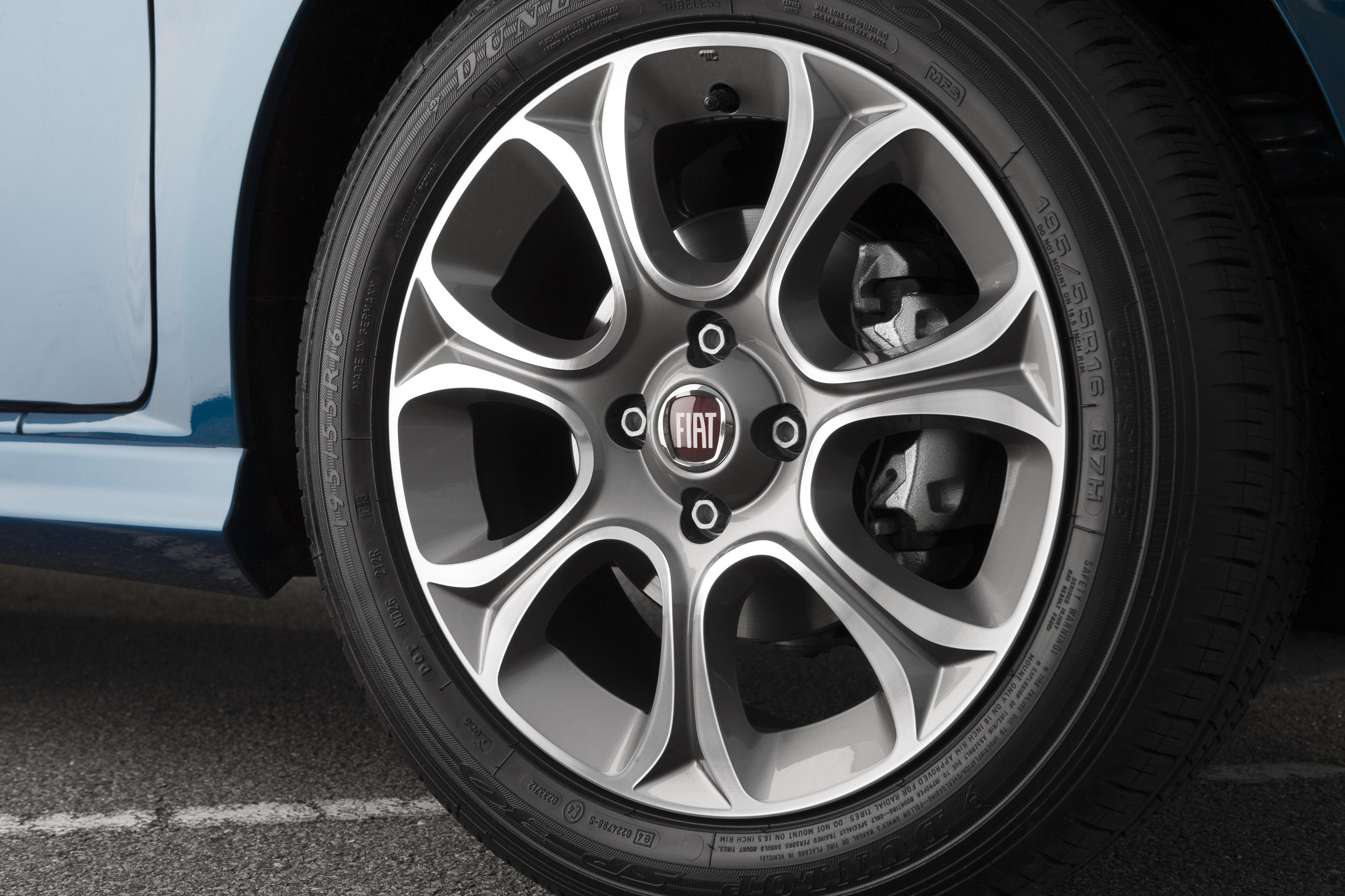Fiat Punto Lounge exterior_5c