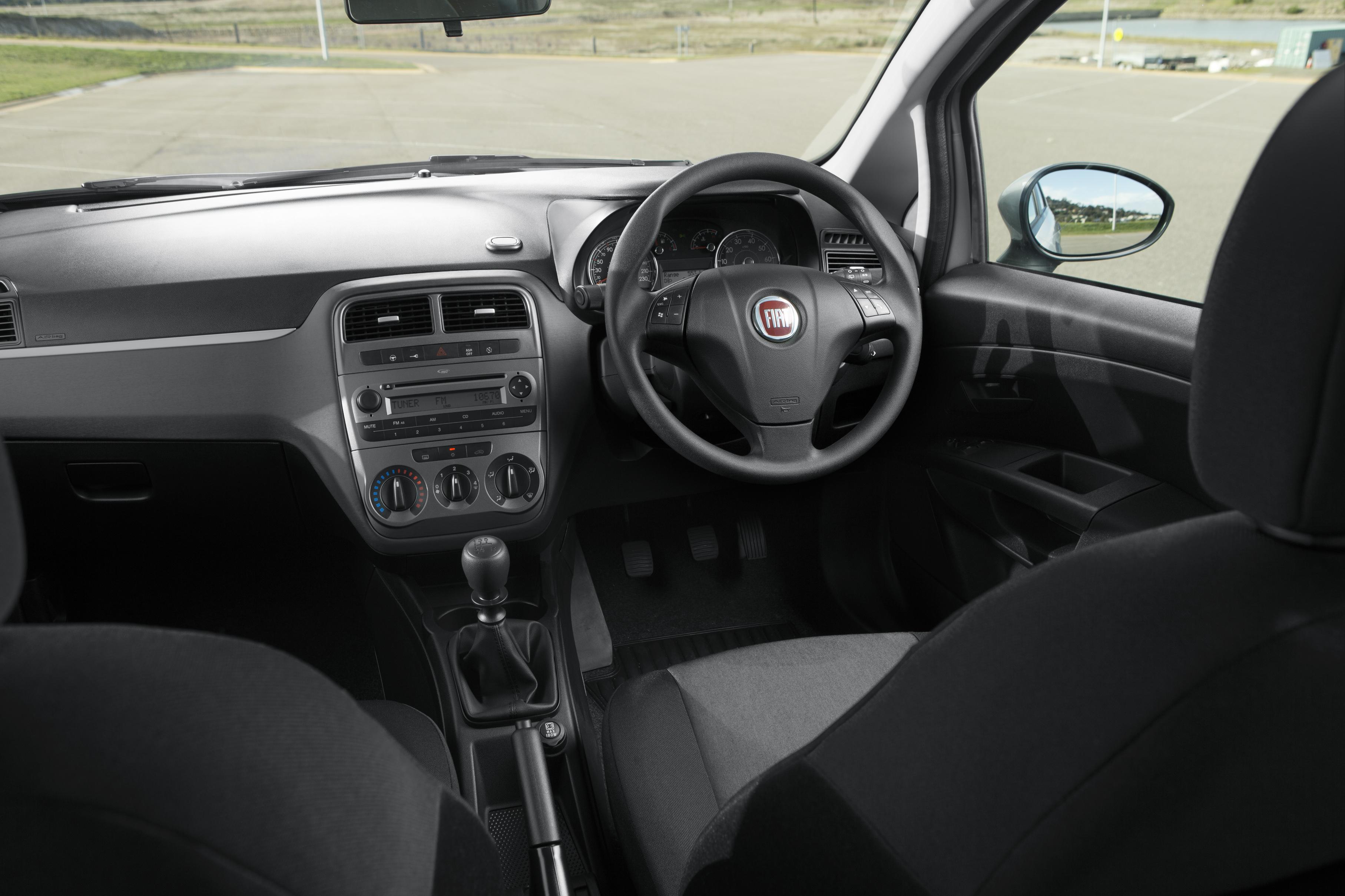 Fiat Punto Pop interior_1a